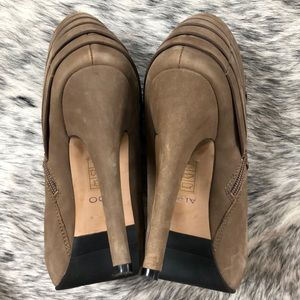 Aldo Shoes - Tan Suede Aldo Bootie
